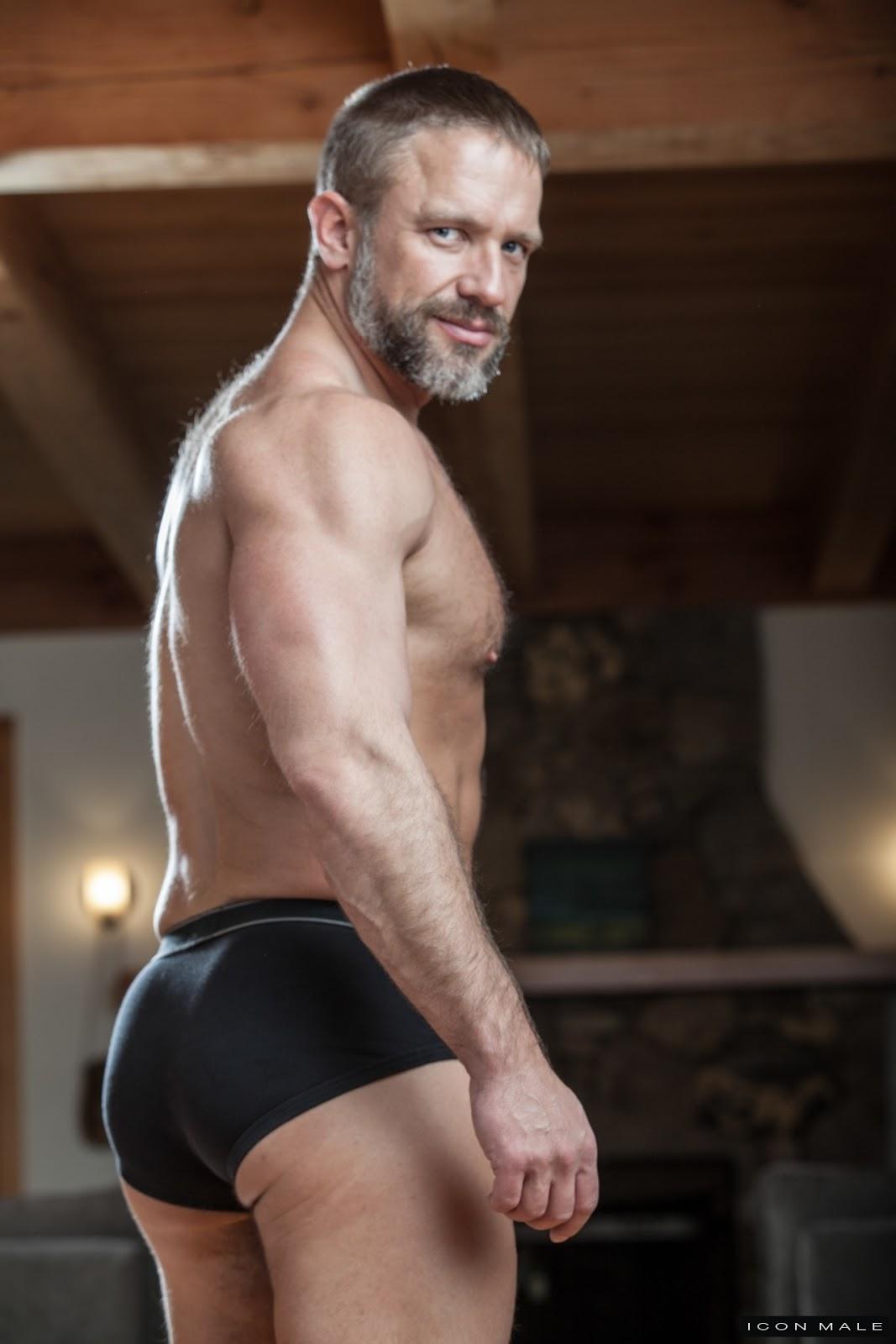 Mature naked men blog