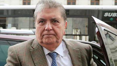 Ex presidente de perú Alan García se dispara para evitar arresto