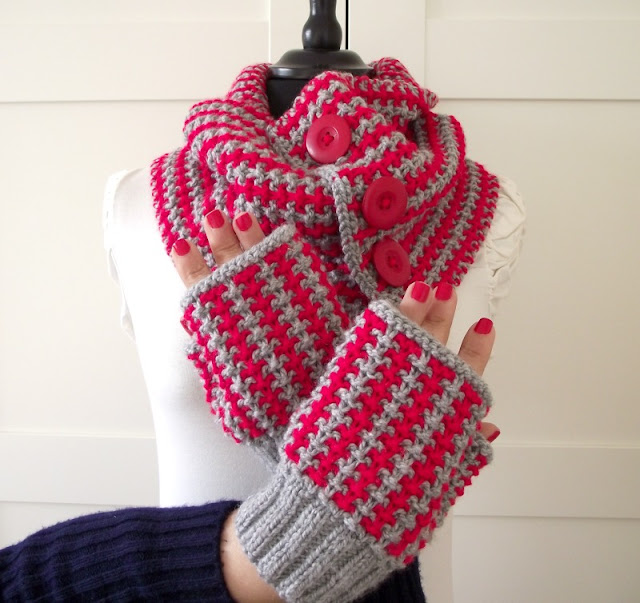 Charly Set Cowl and Fingerless Mitts