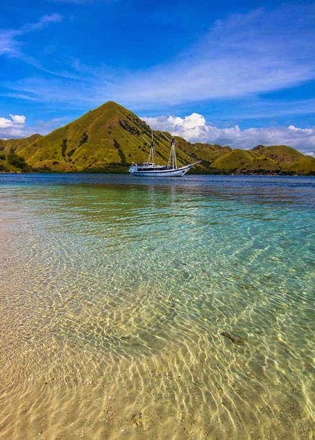 10 Places You Shouldn't Miss in Indonesia | Komodo National Park SeaTrek Sailing Adventures