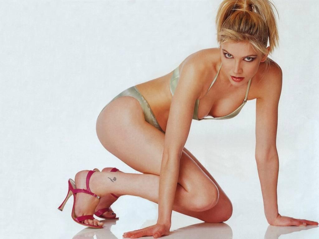 Piper Perabo Gallery Sexy Lisa Faulkner