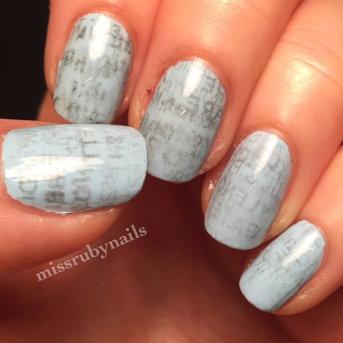 Miss Ruby Nails: Newspaper Nails!