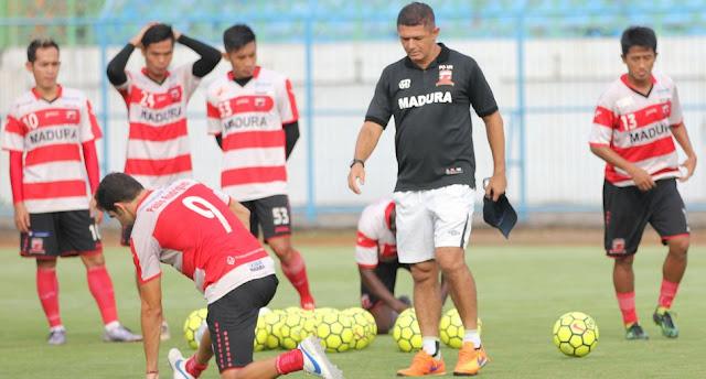 Menang Telak UJi coba 6:0 Atas Tim Persatu Tuban, Mário Gomes de Olivera: Madura United Makin Percaya Diri hadapi Semen Padang