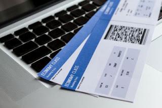 Δικαίωση καταναλωτή για παράνομη χρέωση σε αγορά αεροπορικών εισιτηρίων