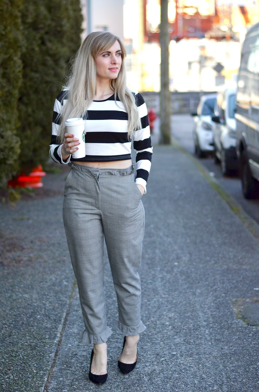 what to wear with paperbag waist pants