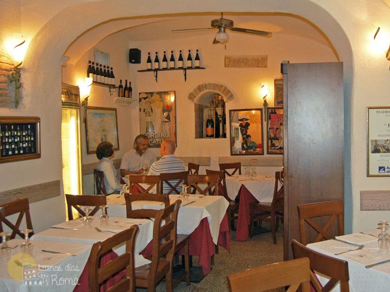 Interior del restaurante L'Archetto Roma