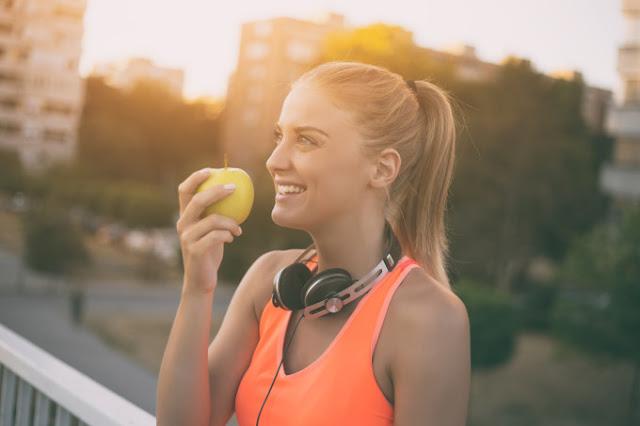 O método mindful eating constrói uma relação mais saudável com a comida para você comer com mais consciência