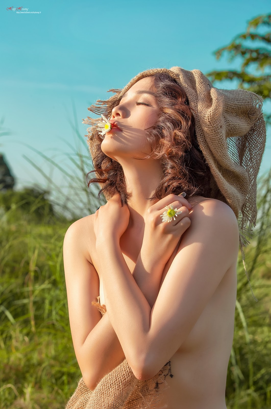 Cỏ và em @BaoBua: Việt Nam Nude Girl