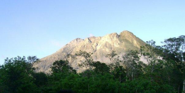 gunung egon