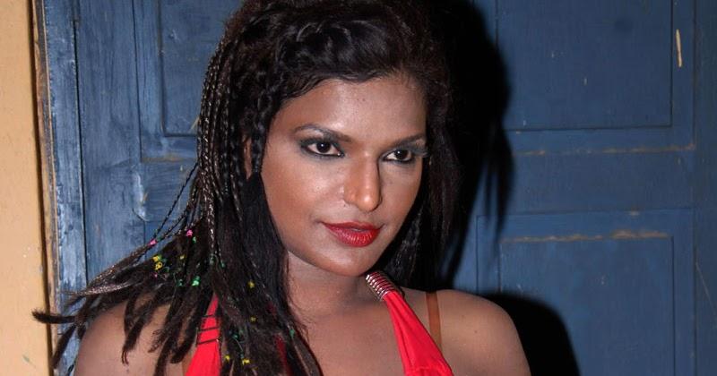 Actress Shalini Naidu Navel Show Photos In Red Blouse
