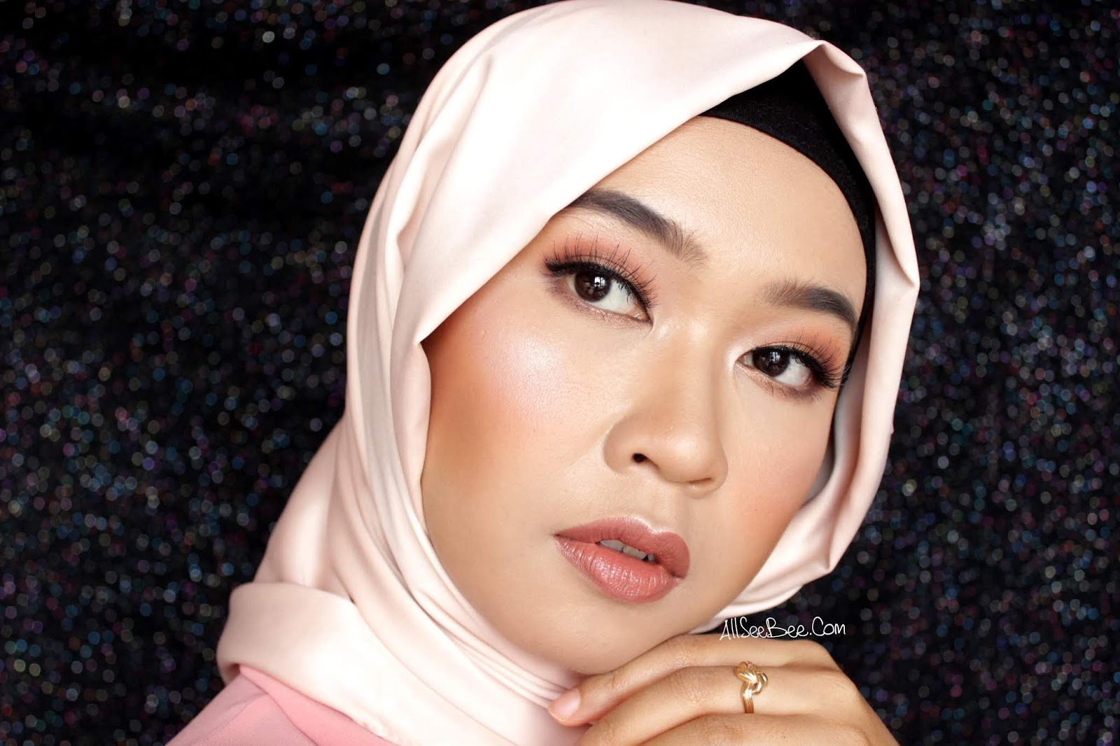 [Review] Mustika Ratu Beauty Queen Highly Pigmented Eye