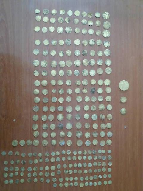 Γιάννενα: ΚΟΝΙΤΣΑ - 31χρονος Αλβανός στην Κλειδωνιά,είχε 268 χρυσά νομίσματα!!!
