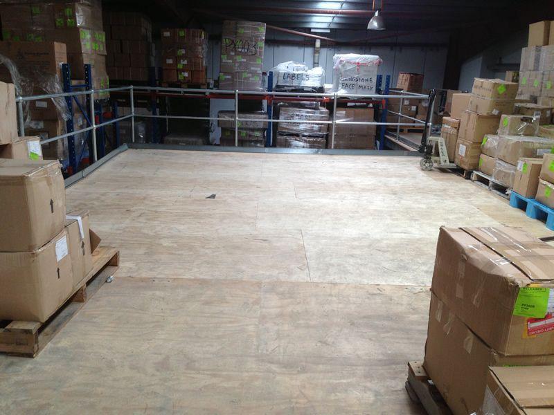 Dịch vụ làm gác lửng + cầu thang sắt nhà kho - xưởng trọn gói tại TpHCM