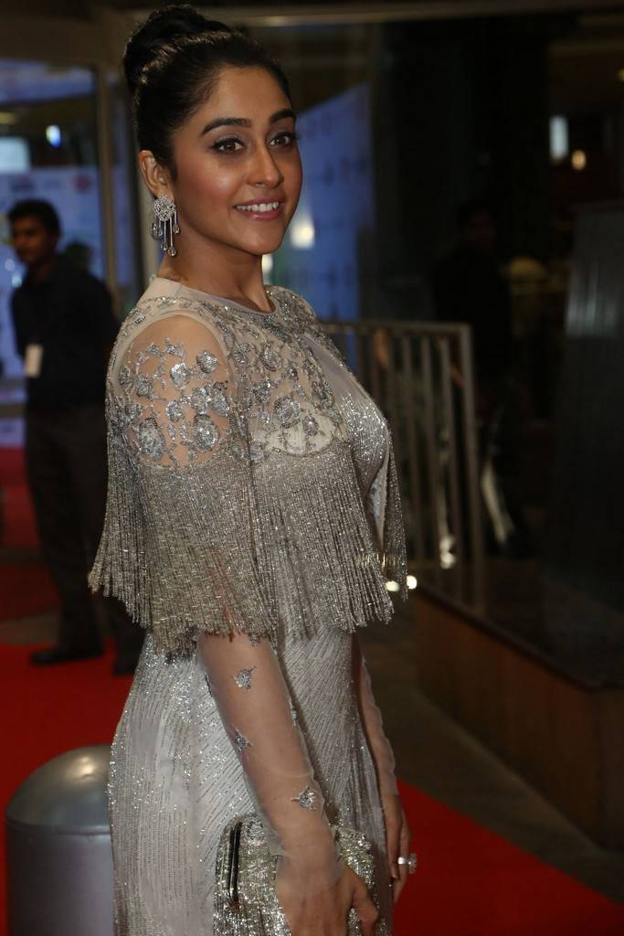 Regina Cassandra At 64th JIO Filmfare Awards 2017 Stills