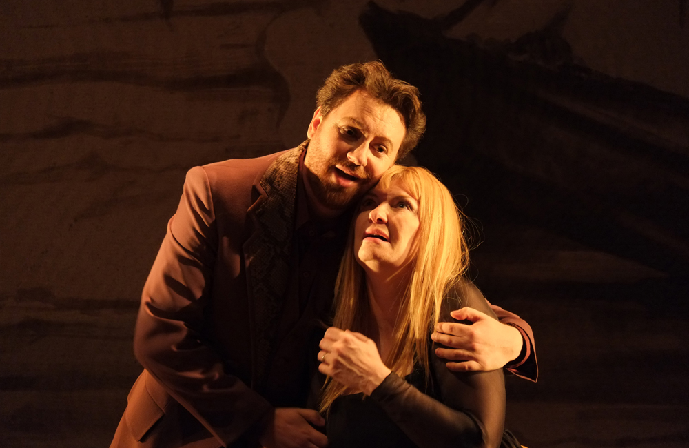 IN REVIEW: Tenor ALESSANDRO LIBERATORE as Chevalier des Grieux and soprano ANNICK MASSIS as Manon Lescaut in Opéra Royal de Wallonie's 2014 production of Jules Massenet's MANON, recorded for release on CD and DVD by Dynamic [Photo © 2014 by Opéra Royal de Wallonie, Liège]
