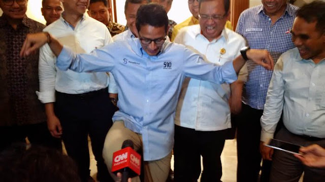 Ribuan Mahasiswa UIR Desak Jokowi Mundur, Begini Tanggapan Sandiaga Uno