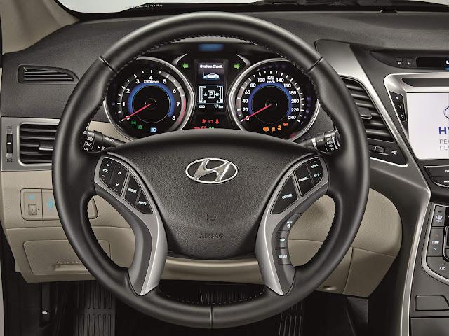 Hyundai Elantra 2016 - painel supervision cluster