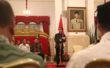 Jokowi Apresiasi TNI - Polri Sukses Amankan Asian Games hingga IMF-World Bank