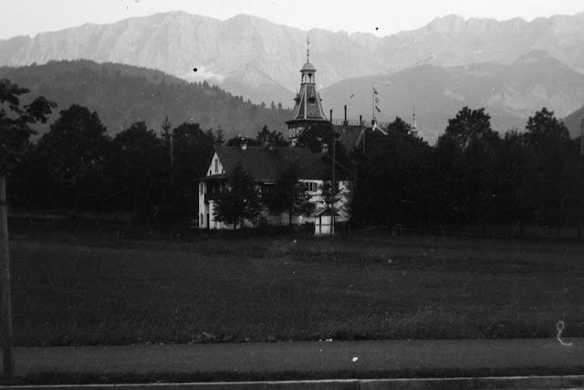 "Detail - ""Villa Christina"" - Garmisch-Partenkirchen - um 1915"
