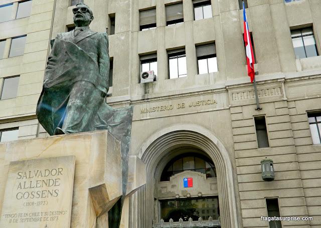 Estátua de Salvador Allende, Santiago do Chile