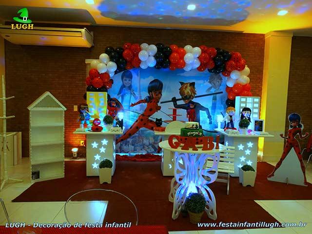 Decoração de mesa tema Miraculous, Ladybug - Festa de aniversário infantil