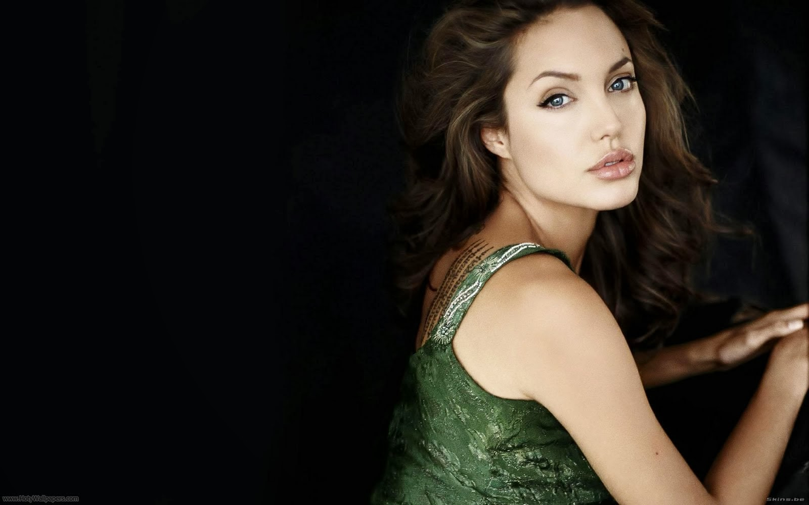 Angelina jolie original sin hd slow motion 6