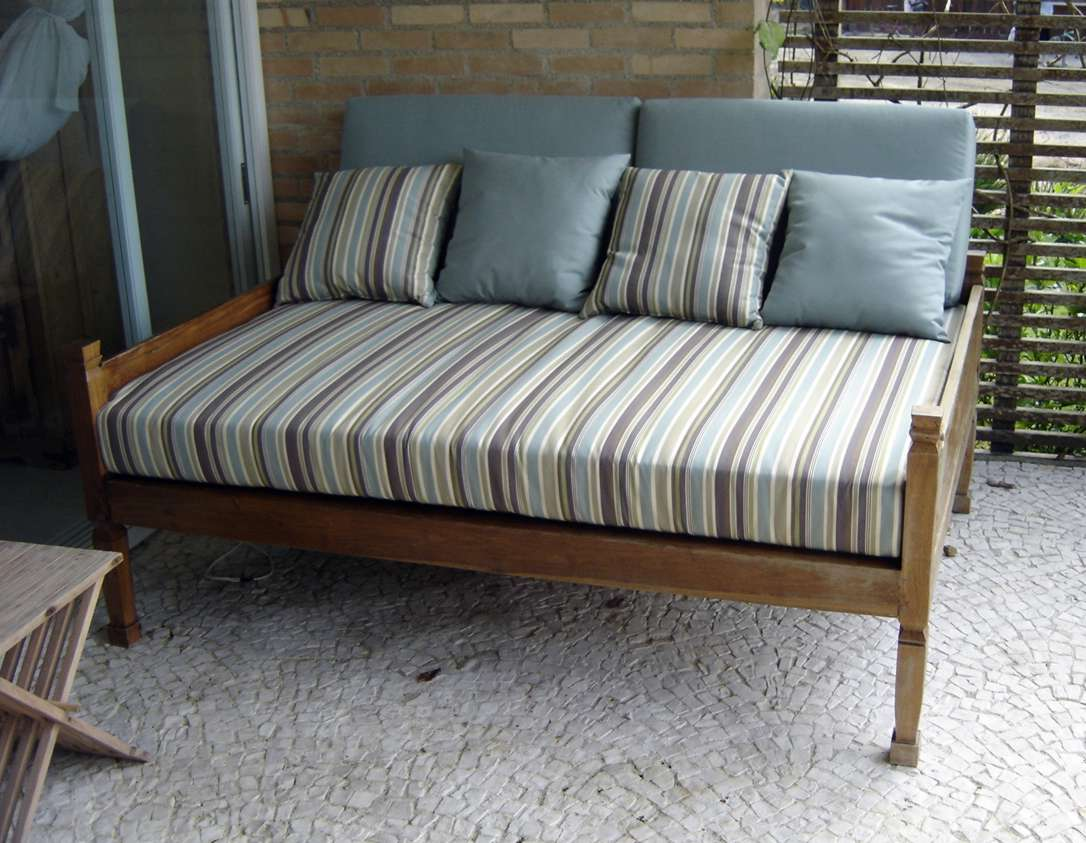 de Piscina.: Fabricamos Almofadas para sofá de madeira de área #5D4936 1086x843