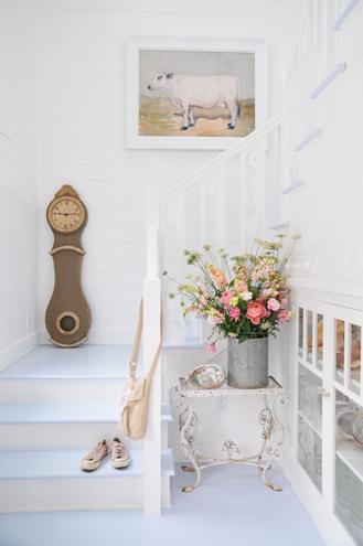 Maison Decor A Pretty Mora Wall Clock