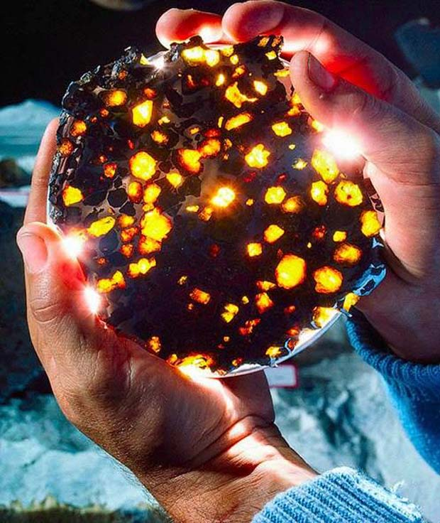 Meteorite.. - 28 Awe Inspiring Photos That Prove Just How Cool Mother Nature Is