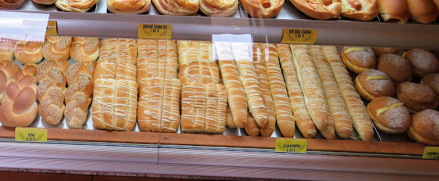 What to eat in Piran: bread drizzled in salt from Pekarna Rina