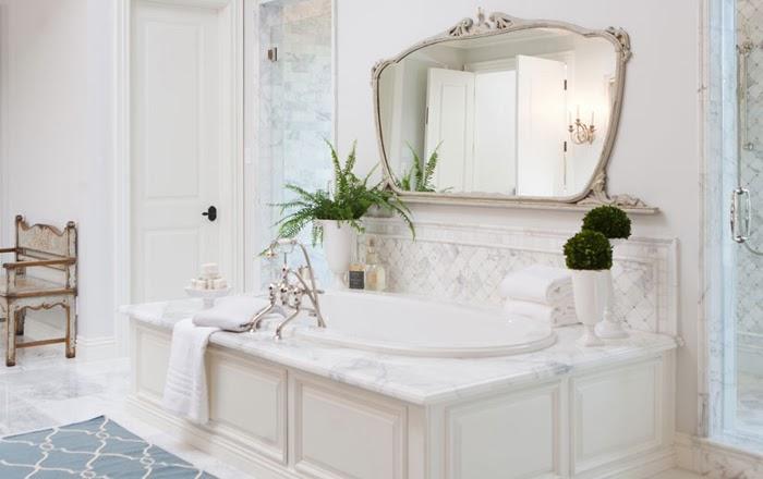 Wyszukana elegancja, wystrój wnętrz, wnętrza, urządzanie domu, dekoracje wnętrz, aranżacja wnętrz, inspiracje wnętrz,interior design , dom i wnętrze, aranżacja mieszkania, modne wnętrza,styl klasyczny, klasyczne wnętrza, eleganckie wnętrza, łazienka