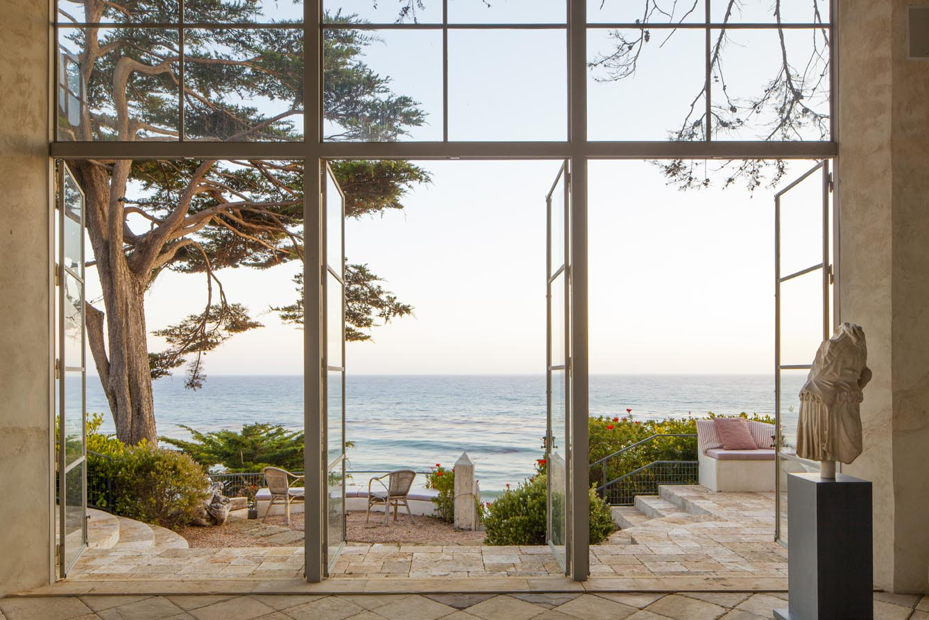 Decordemon richard shapiro 39 s villa in malibu 39 for Beach house view