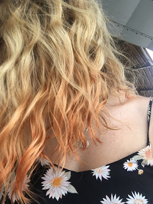 orange hair travelling