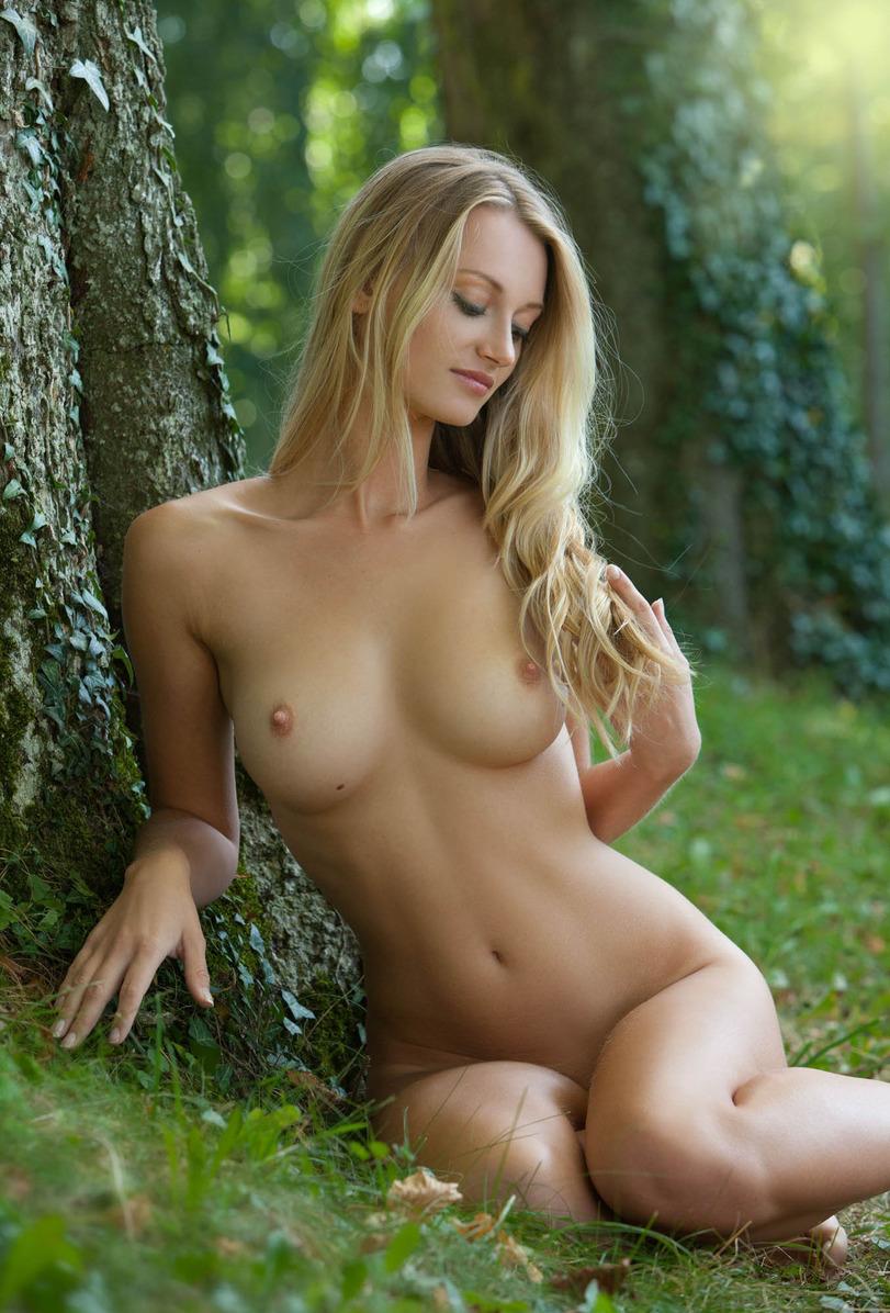 Полностью голые самые красивые девушки