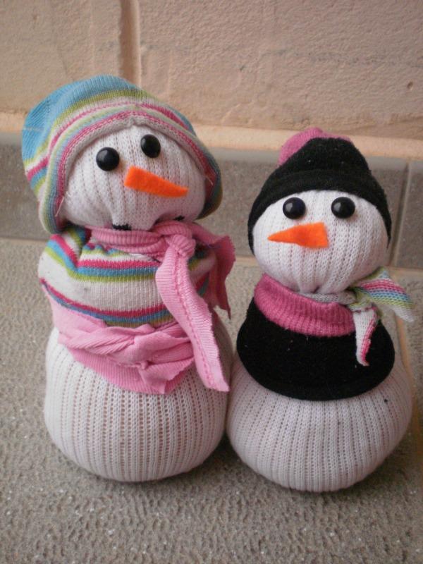 Trapeando hilos y trapos mu ecos de nieve con calcetines for Munecos con calcetines