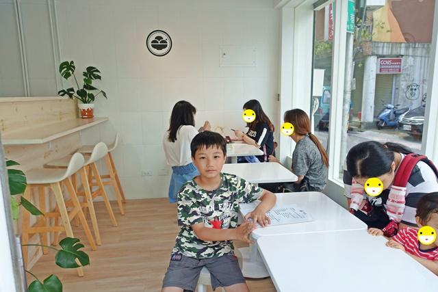 貨室甜品~台北大同區赤峰街白色小屋、古早味冰品、IG打卡冰店