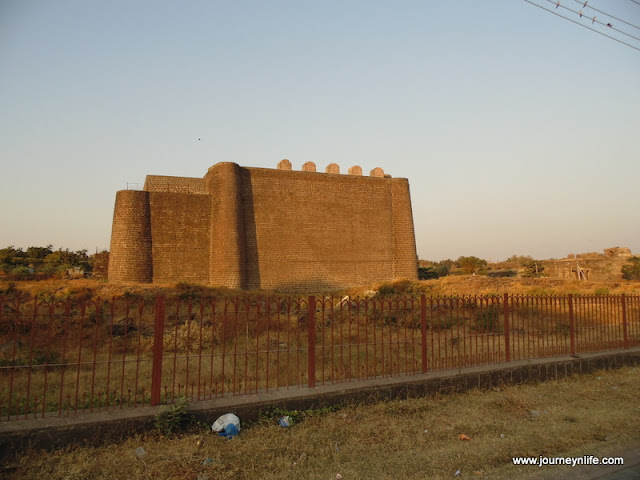 Gulbarga Fort- An Indo-Persian architecture fort, Karnataka, India