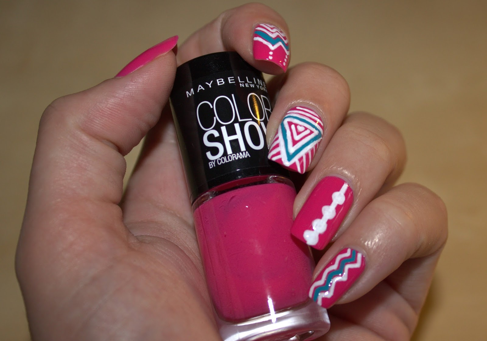 http://hungrynails.blogspot.de/2014/06/maybelline-woche-1-nail-designer-look.html