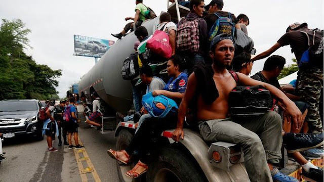 Qué tiene que ver la caravana de migrantes a EEUU con la intervención militar en Venezuela