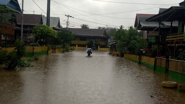 Curah Hujan Tinggi, Dua Kacamata di Soppeng Terendam, Jalur Soppeng-Sidrap Putus