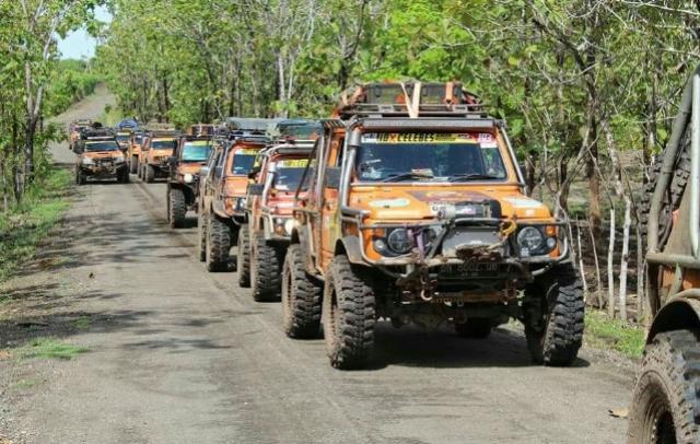 Start di Kendari, Puluhan Mobil Expedisi IOX Celebes Tiba di Titik Nol Indonesia di Soppeng