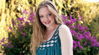 Amanda seyfried at the garden wallpapers