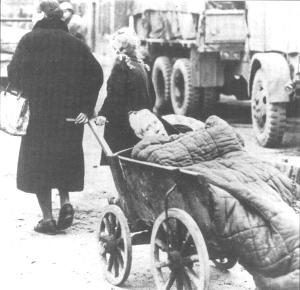 Old women children German refugees 1945