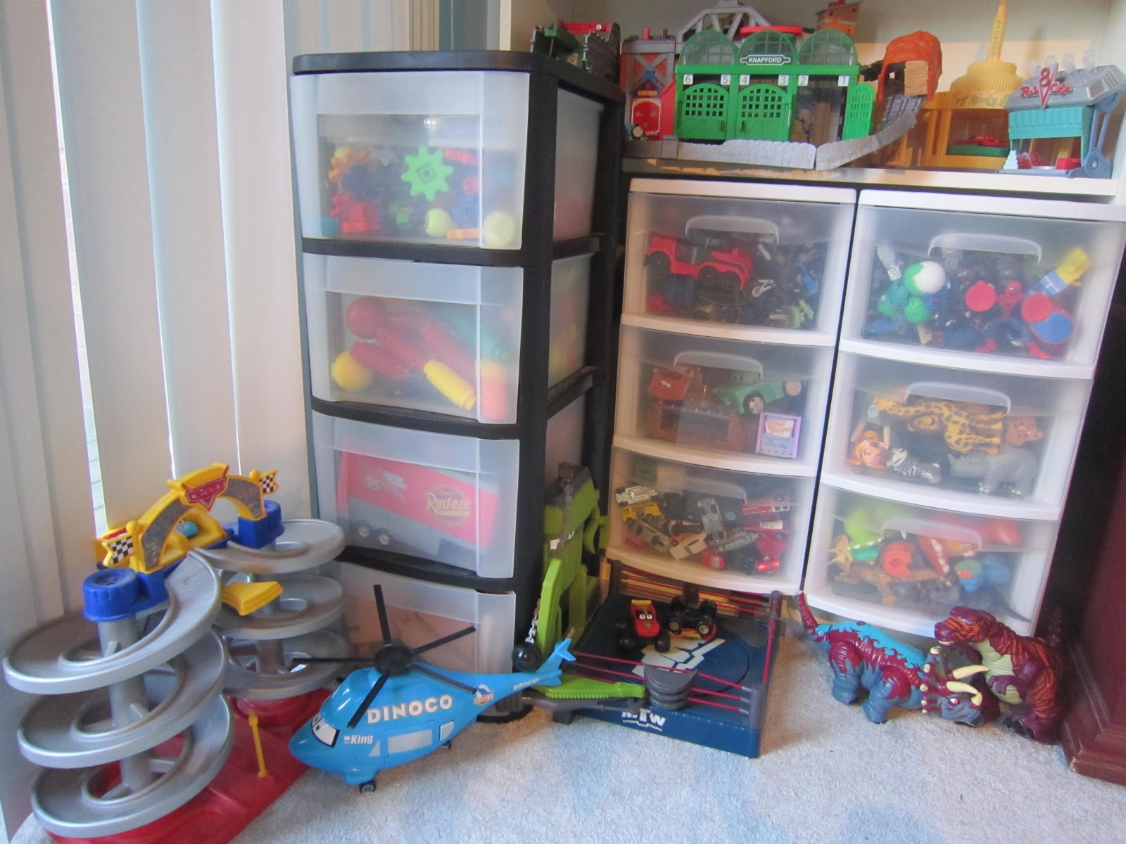 10 Types Of Toy Organizers For Kids Bedrooms And Playrooms: Little Townhome Love: Playroom Organization
