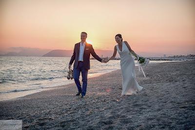 foto sposi spiaggia fotosenzaposa