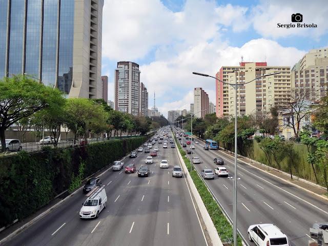 Vista ampla de trecho da Avenida 23 de Maio no Paraíso - São Paulo