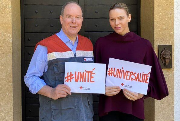 Prince Albert II and Princess Charlene donated 430.000€ to Covid-19 campaign. Loro Piana Mantella cashmere cape