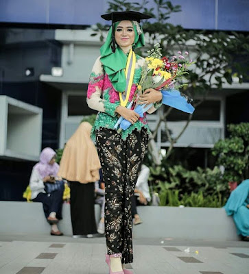 Model Kebaya Wisuda 2018