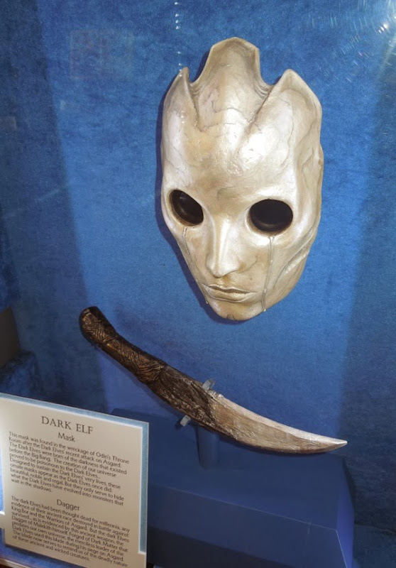 Dark Elf mask dagger Thor 2 Dark World props