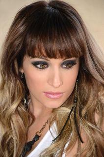 Peinados Y Tendencias De Moda Cortes De Pelo Rizado Con Flequillo - Peinados-rizados-con-flequillo